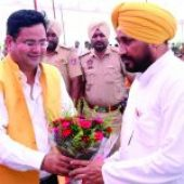 Aryans congratulates S. Charanjit Singh Channi on becoming CM, Punjab